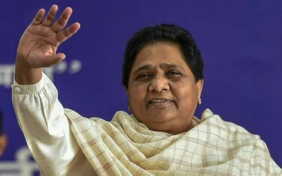 Cleanliness of old idols is being done in the inspiration center: Mayawati