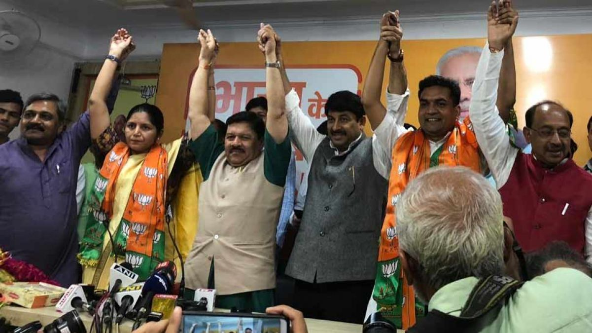Delhi: Disqualified MLA Kapil Mishra and AAP women's wing chief Richa Pandey join BJP