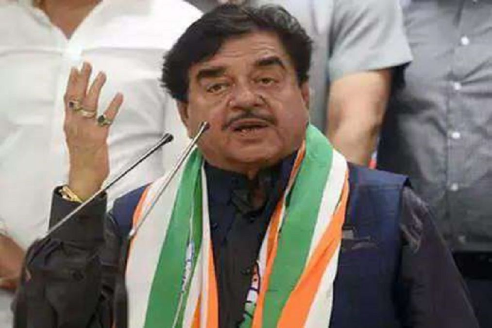 Shatrughan Sinha becomes fan of PM Modi,  said this on Twitter