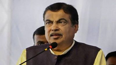 Union Minister Nitin Gadkari warns officers, says 'will say people to wash you'