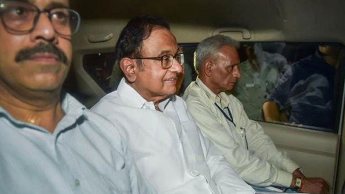 चिदंबरम की गिरफ़्तारी पर नकवी का तंज, कहा- भ्रष्टाचार और कांग्रेस एक दूसरे के पूरक
