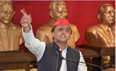 Akhilesh Yadav's big decision, after Delhi dissolves SP's UP unit