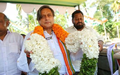 Shashi Tharoor praises PM Modi, says 'PM should be praised when he does right'