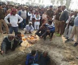 Unnao's daughter was cremated in the presence of ministers