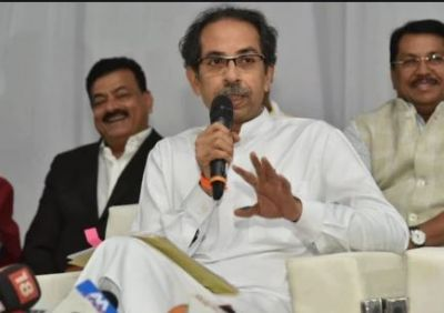 Controversial remarks against Thackeray, Shiv Sena gives befitting reply
