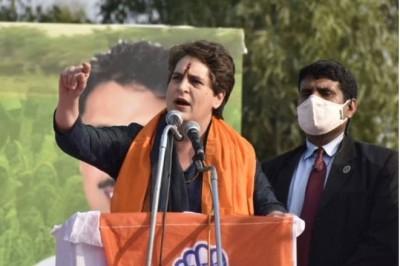 Priyanka Gandhi attacks PM Modi during Kisan Mahapanchayat