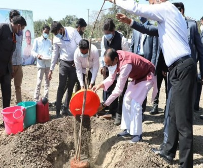 CM Shivraj Singh planted neem tree as part of 'One tree every day' campaign