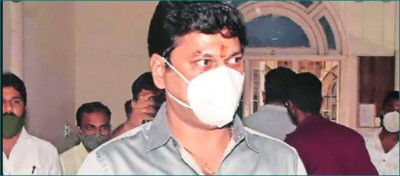 Dhananjay Munde claims woman 'blackmailing and harassing me since 2010'