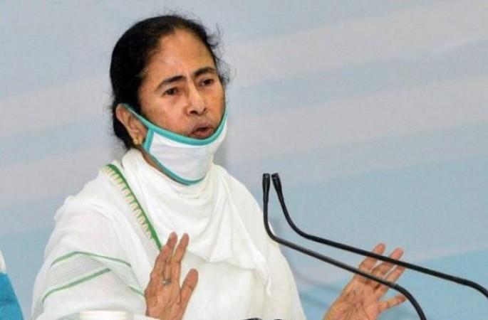 भाजपा को टक्कर देने के लिए ममता बनर्जी ने चला नया कार्ड, भगवा दल को बताया जहरीला सांप