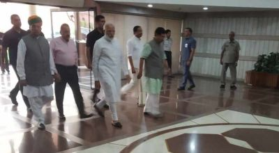 PM Modi arrives in BJP's Parliamentary Party, Amit Shah and Rajnath Singh also present