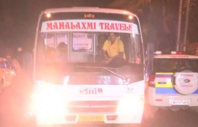 Karnataka : Rebel MLA back to Mumbai after meeting Speaker Ramesh Kumar