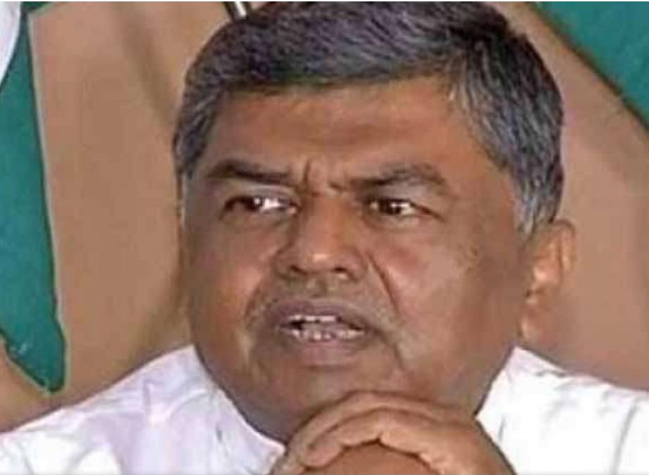 विपक्षी दलों को साधने में लगी कांग्रेस, निकल सकता है कर्नाटक और गोवा राजनीतिक संकट का हल