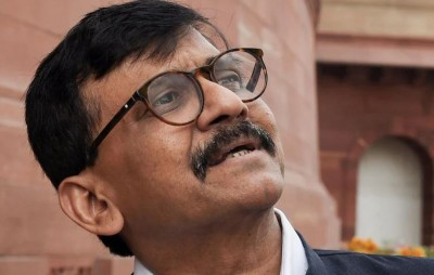 Sanjay Raut says Rahul is a senior Congress leader but even bigger leaders are present...