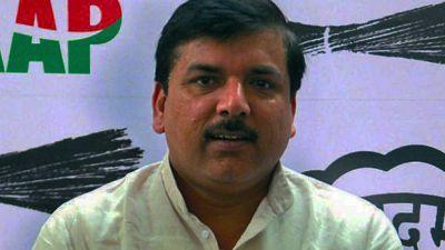 Amit Shah meets AAP leader, submits memorandum on rising crime in Delhi