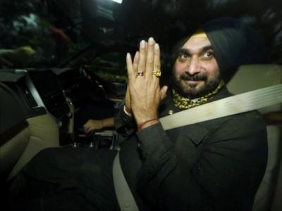 Sidhu expresses gratitude to 'Gandhi Parivar' after becoming Punjab Congress President