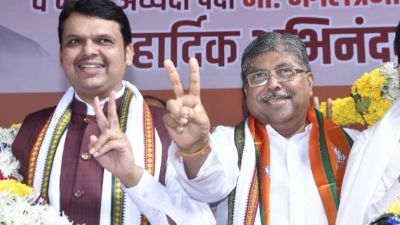 Maharashtra BJP President hints at a Karnataka-like situation in Maharashtra