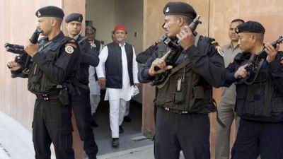 Akhilesh Yadav set to lose his 'black cat' commando security cover