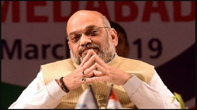BJP President Amit Shah discusses Karnataka issue with senior party leaders