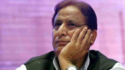 आज़म खान के खिलाफ दाखिल हुई चार्जशीट, जया प्रदा पर की थी अश्लील टिप्पणी
