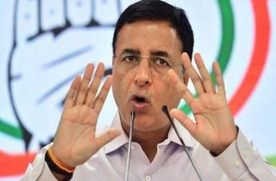Surjewala slammed Modi Govt said, 'Government should repeal all three black laws'