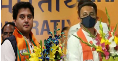 Jyotiraditya Scindia welcomed Jitin Prasada, who left Congress and joined BJP