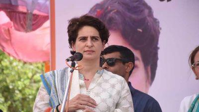 Sonia and Priyanka arrive in Rae Bareli, slams Congress workers