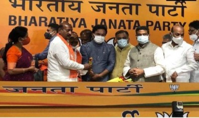 Former TRS minister Rajendra joined BJP, was angry with CM KCR