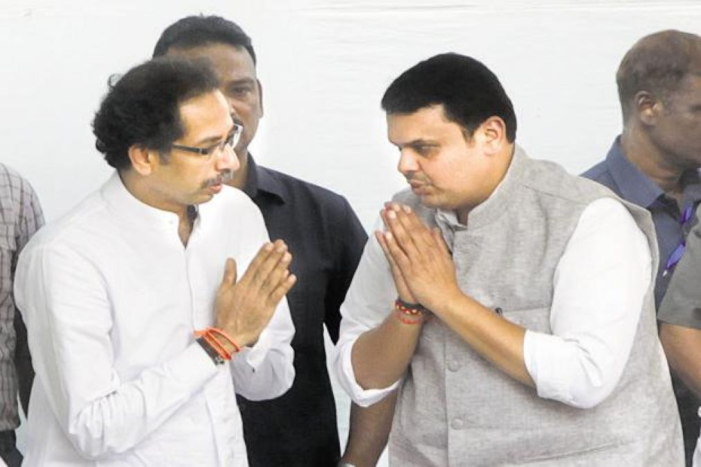 Expansion of Cabinet in Maharashtra Government to be held tomorrow, Thackeray Meets