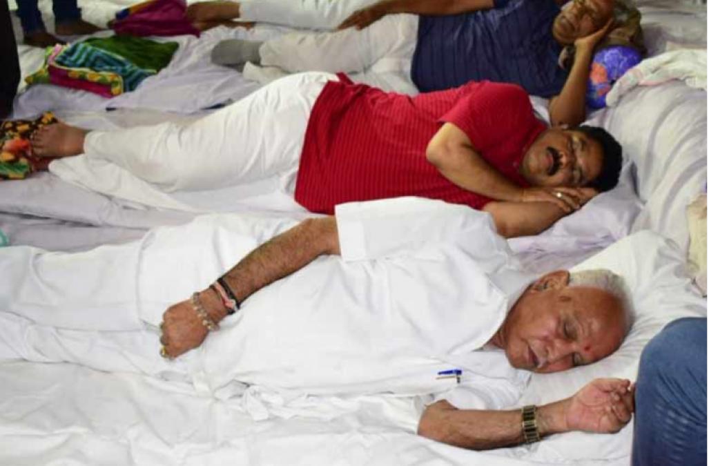 BJP leader slept on the road under leadership of Yeddyurappa, alleged Karnataka govt
