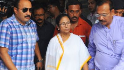 Governor's phone to Mamata over doctors' strike, got no response
