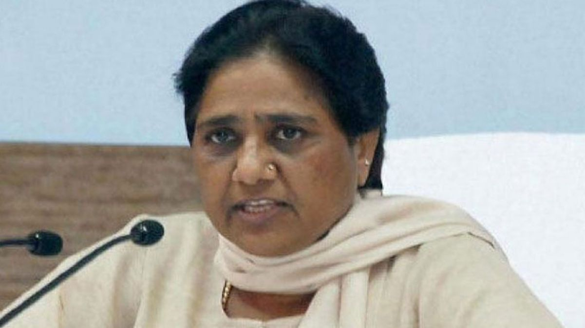 Mayawati, angered by rising crime and price rise in UP, burst on state