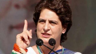 Priyanka Vadra tweets made serious allegations upon Modi government