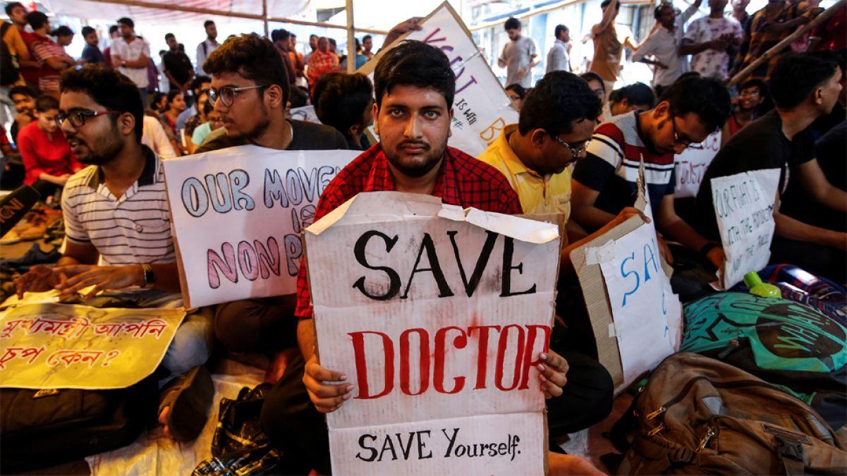 सदन में उछला डॉक्टरों पर हमले का मुद्दा, उठी फ़ास्ट ट्रैक कोर्ट में सुनवाई की मांग
