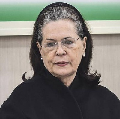 Sonia Gandhi holds virtual meeting with veteran Congress leaders