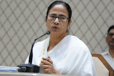 Mamata urges oppn leaders to unite to fight COVID-19 outbreak