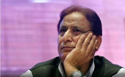 Corona-infected Azam Khan refuses to go to hospital, UP police arrive with ambulance at night