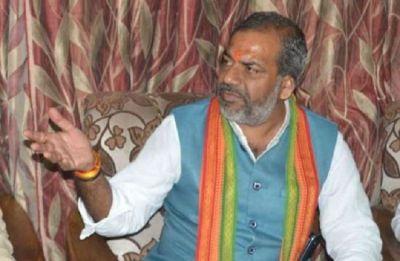 प्रदूषण को लेकर योगी के मंत्री का बयान, कहा- भगवान इंद्र देव को मनाने के लिए यज्ञ कराए जाएं