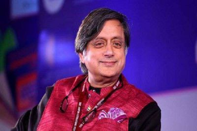 Political tension rising on WhatsApp spying case, committee headed by Tharoor