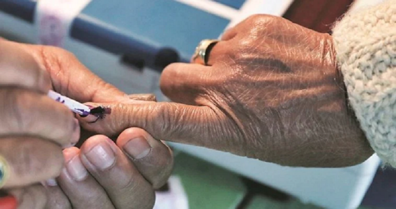 कर्नाटक की 15 विधानसभा सीटों के लिए उपचुनाव का ऐलान, 5 दिसंबर को होगा मतदान