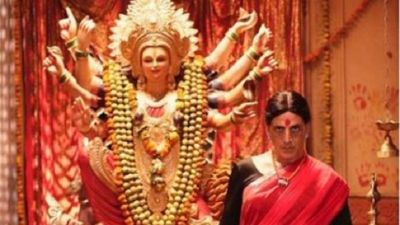 Akshay Kumar seen in red saree and bindi, shares first look of film 'Lakshmi Bomb'