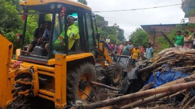 Patna: CM Nitish open bulldozers on huts, hundreds of people rendered homeless amidst severe floods