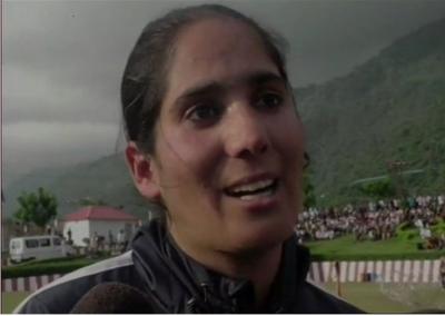 कश्मीर की महिला पहलवान बोलीं, ...'बेटी बढ़ाओ और पहलवान बनाओ'
