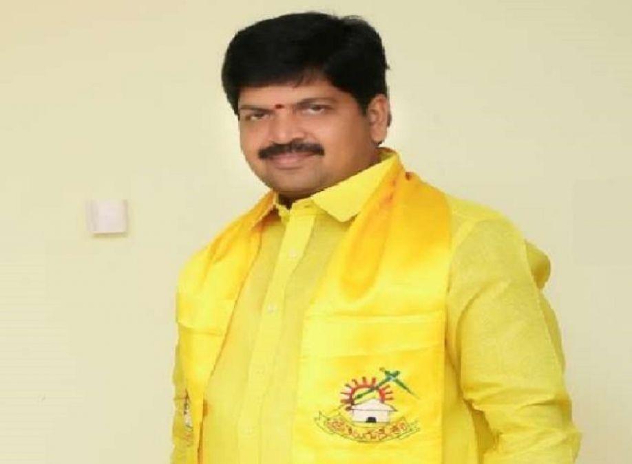 आंध्रप्रदेश: जगन सरकार के विरोध में धरना दे रहे टीडीपी नेता कल्लू रविंद्र गिरफ्तार