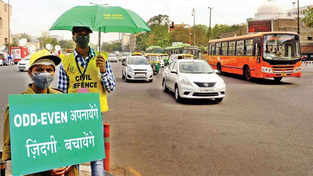 दिल्ली के ऑड -ईवन सिस्टम से महिलाओं को मिली राहत, लेकिन CNG गाड़ियों को नहीं कोई रियायत