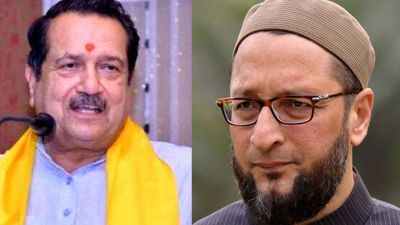 Rashtriya Muslim Manch chief Indresh Kumar calls Owaisi as 'Mental'
