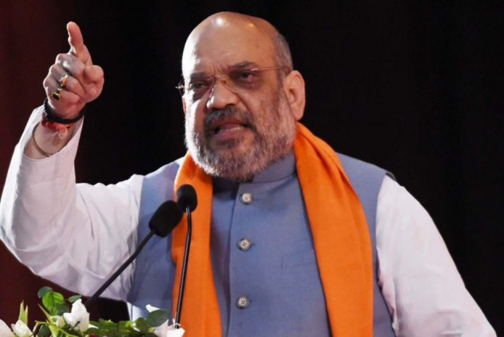 Amit Shahs challenge to Rahul Gandhi, said- Announce that after coming to power section 370 will be