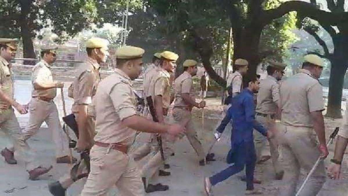 यूपी उपचुनाव: आज़म खान के रामपुर में पकड़े गए 6 फर्जी पोलिंग एजेंट