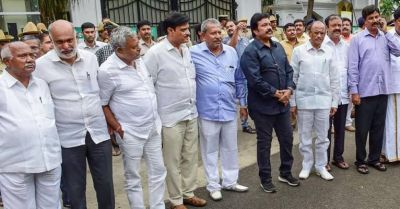 Karnataka: The top court will hear the petition of rebel MLAs today
