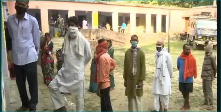 बिहार चुनाव: हो चुका है 33.10 फीसदी मतदान, शाम 6.30 बजे प्रेस कॉन्फ्रेंस करेगा चुनाव आयोग