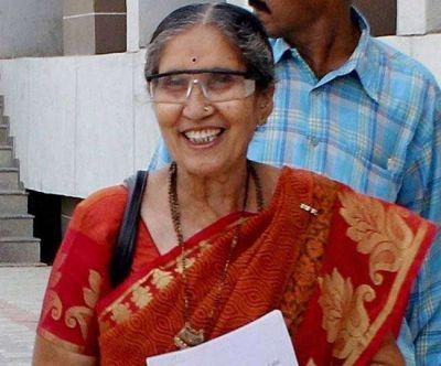 जानिए किस वजह से पीएम मोदी की पत्नी जसोदा बेन ने दी पुरोहितों को 101 रुपये की दक्षिणा